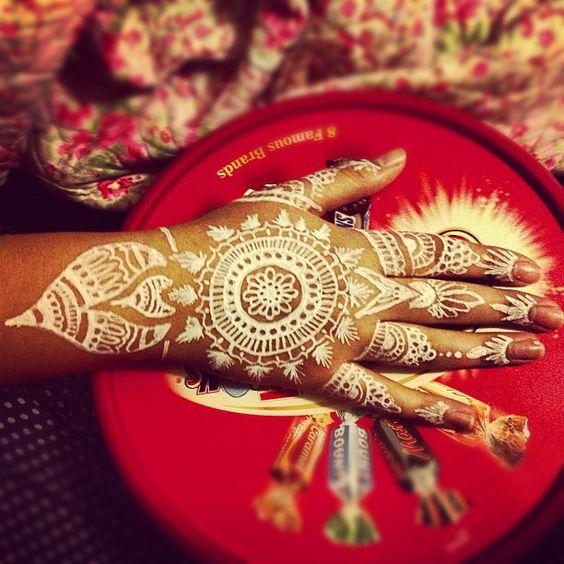 White Ink Henna: Henna, White Flats And White Henna On Pinterest