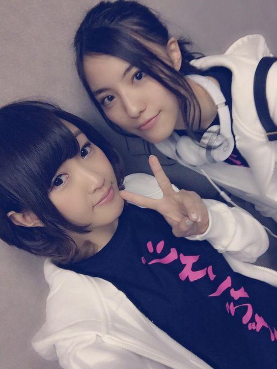 Emika Kamieda x Anna Ijiri  https://twitter.com/Emika_Kamieda/status/583595745464356865