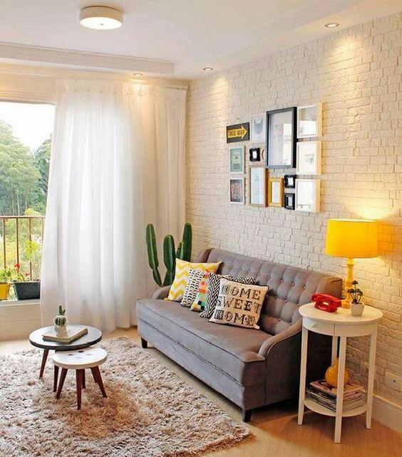 Sala simples e arejada Apê