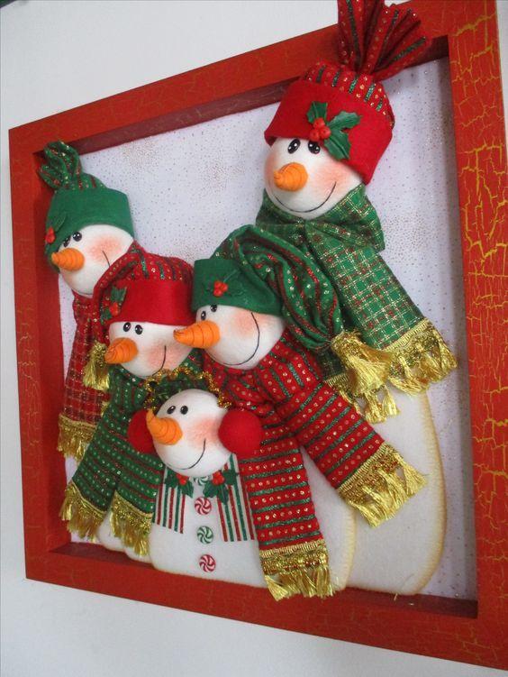 Adornos De Fieltro Para Navidad En Marcos De Madera Manualidades Navideñas Cuadros De Navidad Adornos Navideños