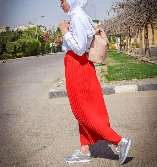 Red pleated skirt-Spring breathy hijab outfits – Just Trendy Girls