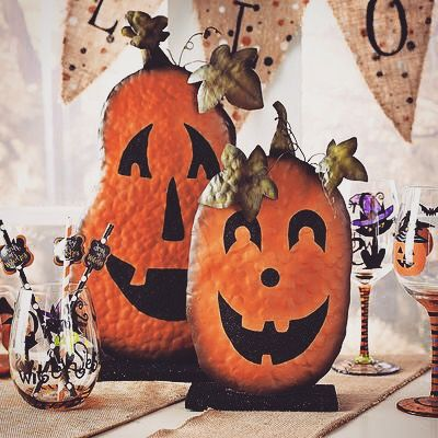 My face when Halloween is so close  #halloweendecorations #halloweendecor #happyhalloween #halloween2015 #halloween #fall #falldecor #autumn #pumpkins by halloween_decor_ #halloween #halloweenideas #halloweendecor #halloweenfun
