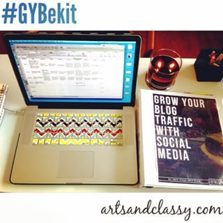 Behind the scenes: Working I my #editorial calendar for the #GYBekit @byreginatv ! This whole course is really helping me with my planning on all of my social platforms as well as planning the content for my posts! #gettingorganized  #getorganized #getitd