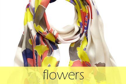 scarf by Kenzo #scarf #kenzo #engelhorn #flowers #florals #schal #tuch fashion.engelhorn.de