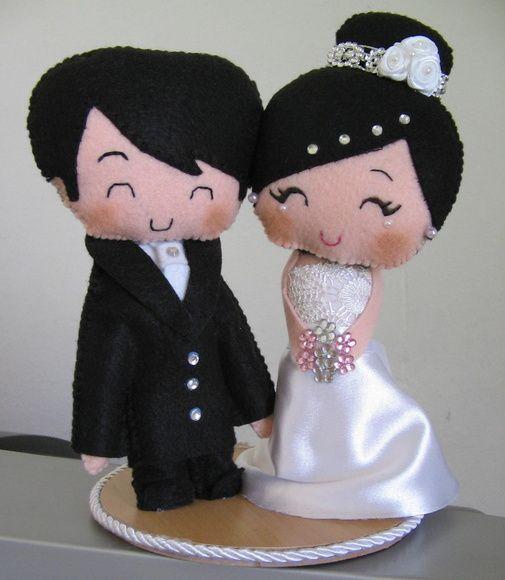 Topo de bolo para casamentos confeccionado em feltro.