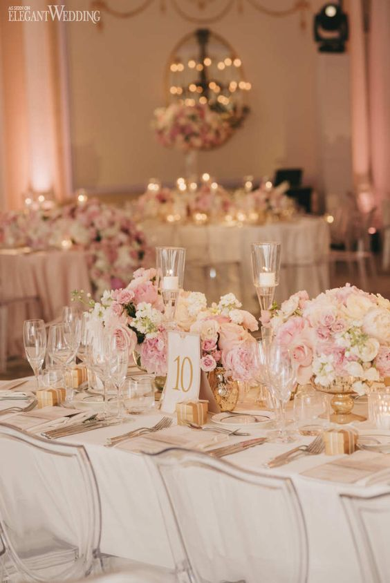 Blush and Gold Wedding Table Setting, Blush Wedding Centrepieces, Pink Wedding Table Setting | Stunning Blush Pink Wedding at the Ritz | ElegantWedding.ca