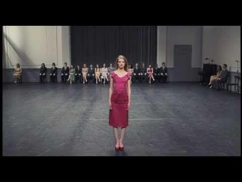 "Juan Llossas - Frühling und Sonnenschein - from ""Pina"" - YouTube"