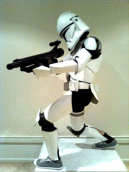 Make a full storm trooped costume out of cardboard!  #starwars #tgif_pinparty