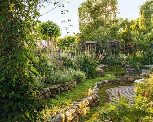 Ein Sommergarten Wie Aus Dem Paradies Garten Sommergarten Pflanzen