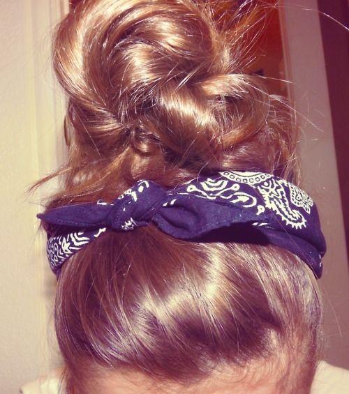 messy buns && bandanas :): Country Girl, Hair Styles, Hair Beauty, Hair Makeup, Hairstyle, Messy Buns, Top Knot, Hair Color
