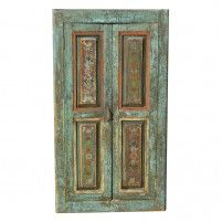 Qué ventana antigua más bonita!! Puedes utilizarlas para decorar paredes, para ponerle una pizarra y dejar tu mensaje, o un corcho forrado y exhibir tus comlementos. http//:www.mundda.com