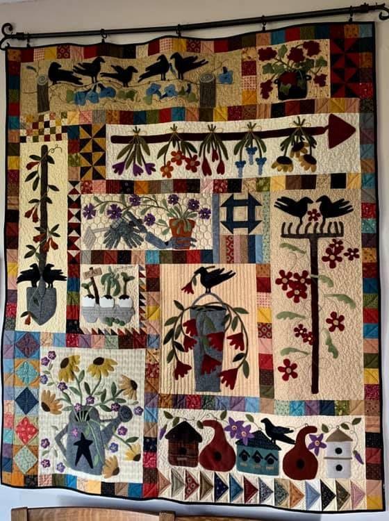 Sue Arndt This Is A Smaller Version Of Lisa Bongean S Primitive Gardens Primitive Gatherings Applique Patterns Garden Quilt