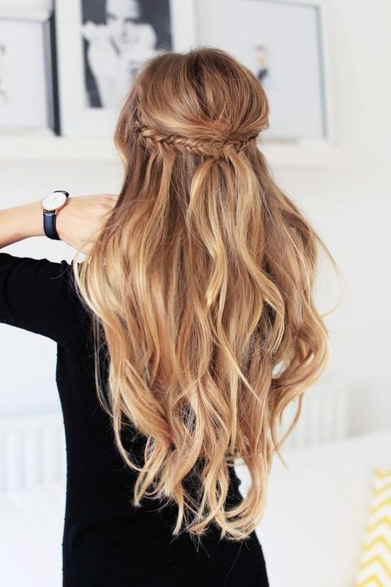 Half up hair style with loose curls + fishtail braid