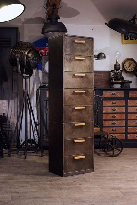 Epingle Par Mark Goodrich Sur Cabinetry Or Furniture Meubles Industriels Design Industriel Meuble