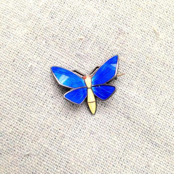 Broche papillon en argent NORWAY STERLING de la boutique Maunelle sur Etsy