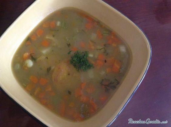 Sopa de platano verde y cilantro
