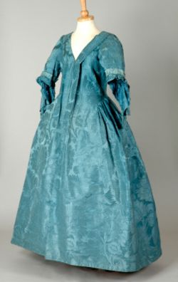 Robe volante ca. 1730's, from the Leeds Museums and Galleries