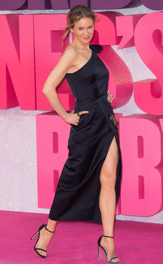Va Va Voom! The stunning actress walks the pink carpet at the world premiere of'Bridget Jones's Baby' in London.