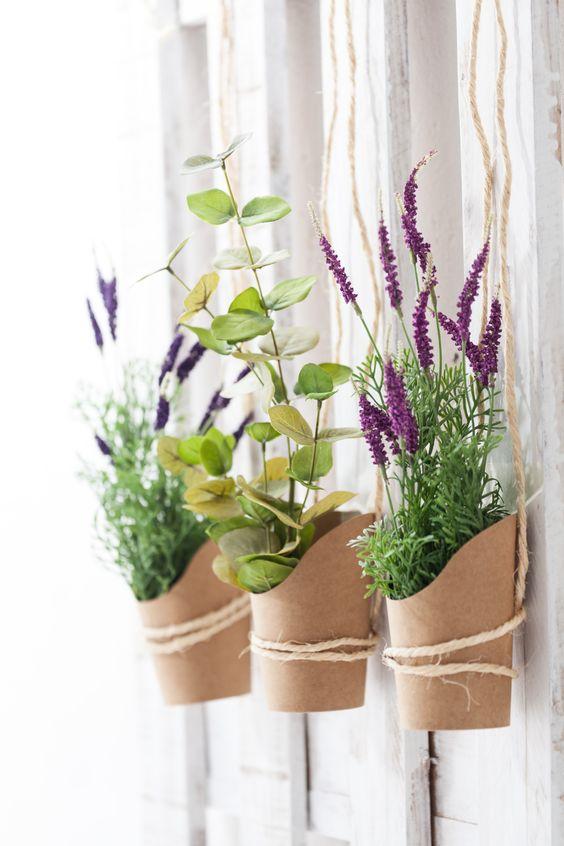 Flores y ramas verdes para decorar tu casa y llenarla de for Decoracion hogar verde