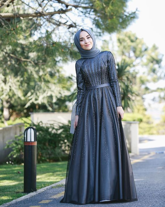 Tesettur Abiye Modelleri Lacivert Uzun Klos Etekli Boncuk Islemeli Ziyafet Elbiseler Elbise Payet Elbise