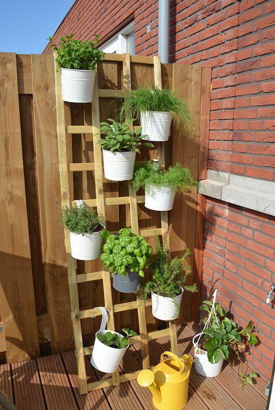 buiten kruidenrek terras idee n pinterest tuin