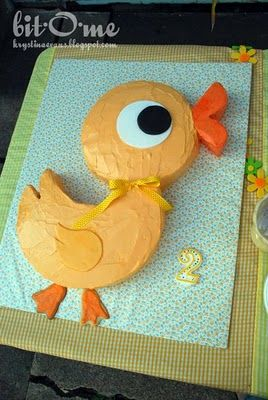 Duck Cake...this is it! This will be the theme for our Jolie Bear's 1st birthday party!