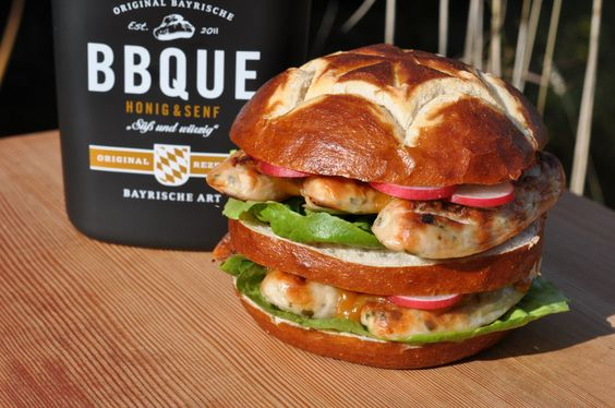 Der bayrische Weißwurst-Burger - www.BBQPit.de