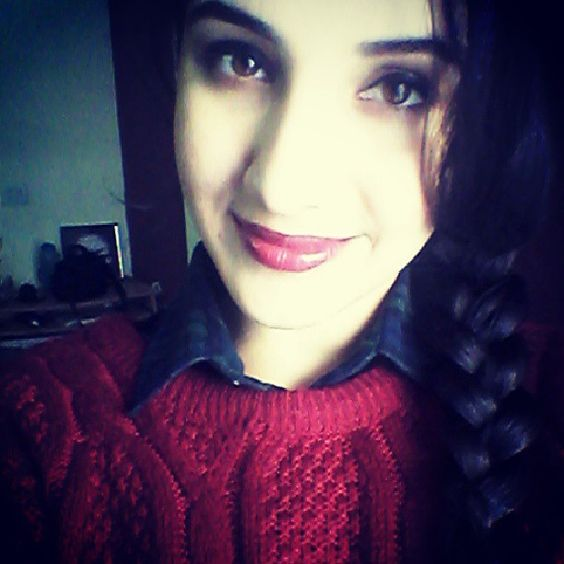 Out for some #dilliDarshan. Have a great weekend peeps! #DelhiWinters #SweaterWeather #oxBlood #braid #kanikajusta #beautifullAndBlessed