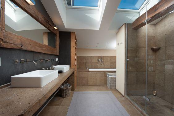 Dusche Unter Dem Dach : Immobilien Kitzb?hel – gro?z?giges Badezimmer unter dem Dach. Von