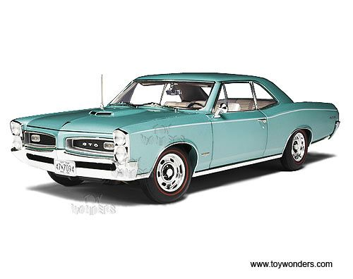 1966 pontiac GTO Hard Top by Highway 61 1/18 scale diecast model ...