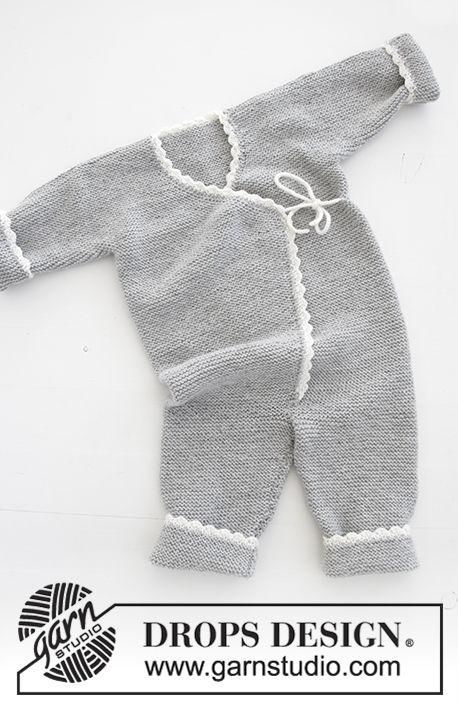 Time for Fun / DROPS Baby 31-15 - Ensemble bébé au tricot: Combinaison tricotée pour bébé, au point mousse avec bordures au crochet, bonnet tricoté au point mousse avec bordure au crochet et pompons et chaussettes, en DROPS BabyMerino. De la taille prématuré au 4 ans