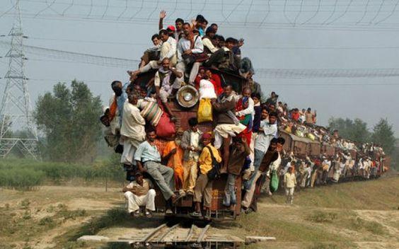 Divertente parodia di un viaggio su un treno regionale  in piena estate. #treno #viaggio #parodia