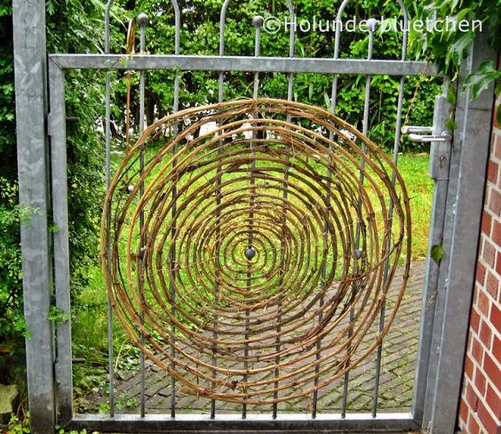 spinnennetz aus sten willow work pinterest natur. Black Bedroom Furniture Sets. Home Design Ideas