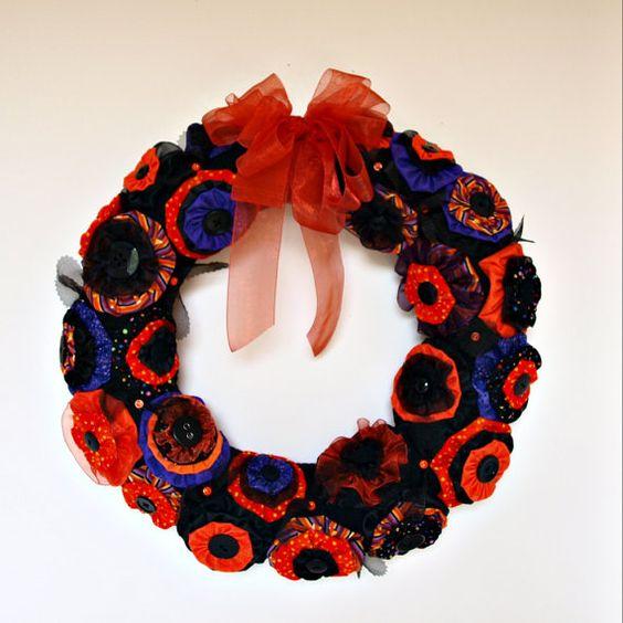 Yo Yo Halloween Wreath by NancysWorkshop on Etsy