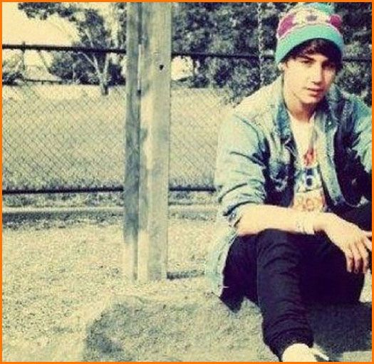 Jai Brooks And The Janoskians Reach 500,000 YouTube Subscribers And Share A New Video With Fans