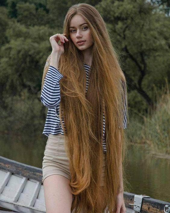 Épinglé sur cheveux tres long