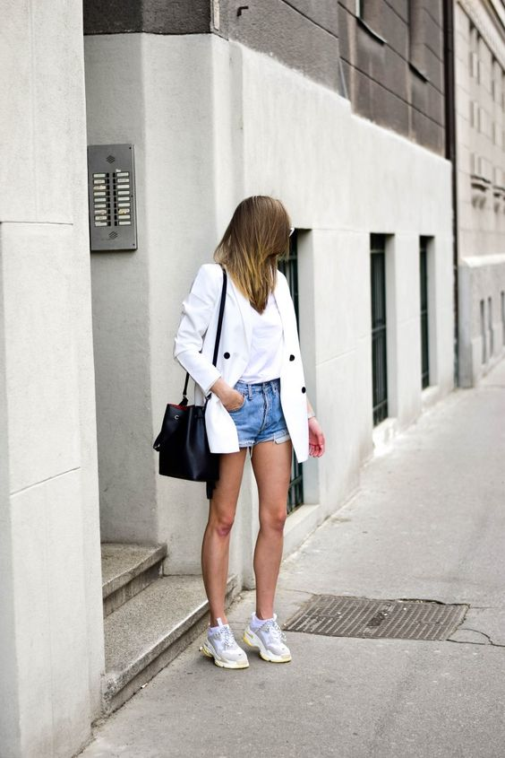 white blazer outfit, dad sneakers, katiquette