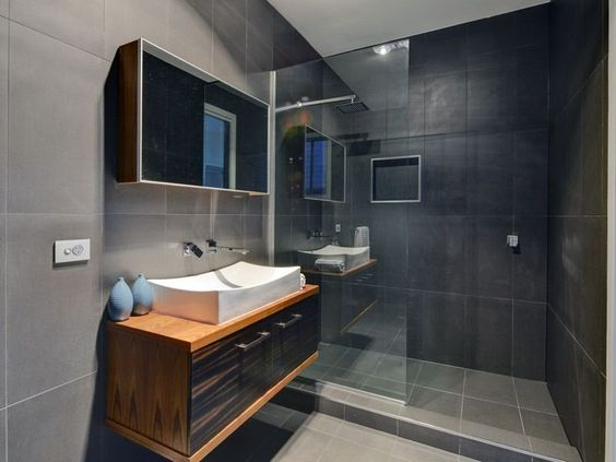 En Suite Love Sleek Modern Glass Wall To Wall Shower Simple Contemporary Basin Dislike