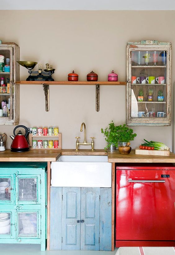 Vintage Kitchens With Modern Rustic and Retro Inspiration | http://www.scaramangashop.co.uk/Fashion-and-Furniture-Blog/vintage-kitchens-modern-rustic-inspiration/