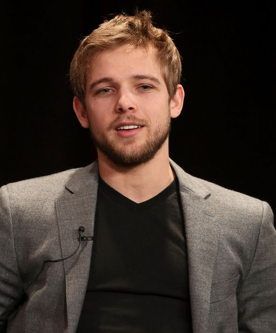 Max Thieriot well he's my new favorite celebbbbbb with the exception of Josh Hutcherson of course.:
