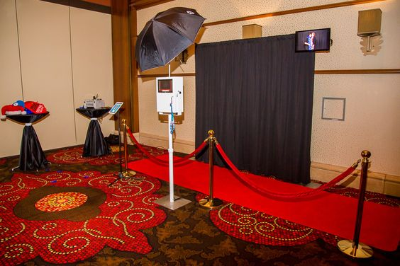 Photo Booth Design | Photobox Photo Booth Red carpet Hollywood style theme