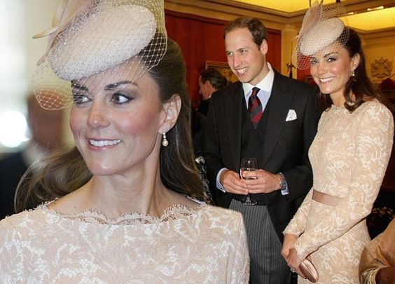 Kate plays model royal wife as she hosts table at Diamond Jubilee lunch
