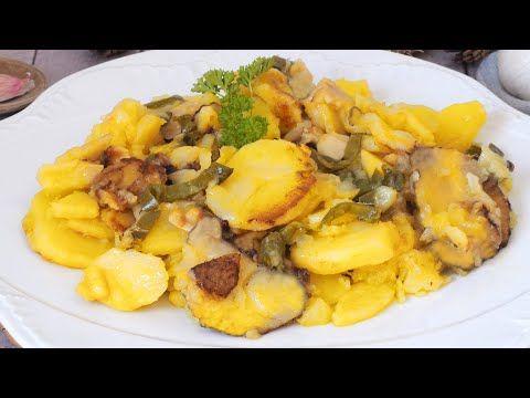 Receta De Patatas A Lo Pobre Un Plato Muy Famoso Y Delicioso Recetas Con Patatas Patatas Guarniciones