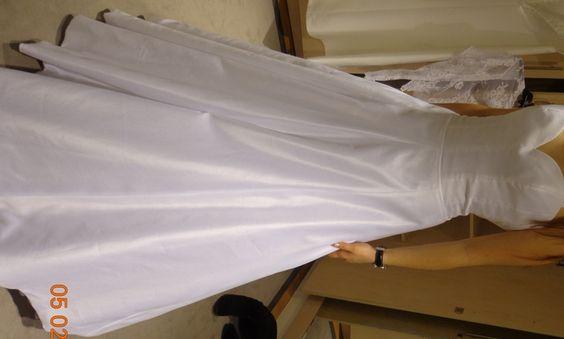 Robe de mariée Cymbeline achetée aux Galeries Lafayette  Robes de ...