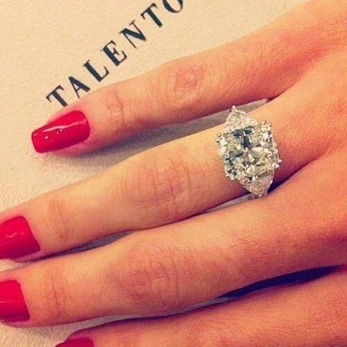 Love love love this ring!!