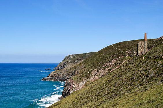 File:Mine working on N Cornwall coast 041.jpg