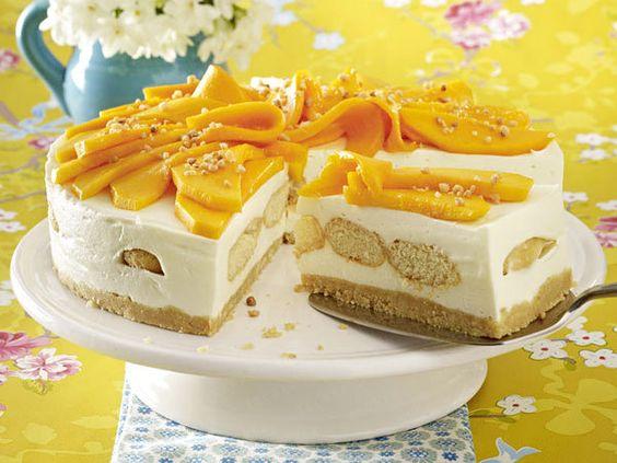 Kuchen ohne Backen – echt coole Cakes! - mango-tiramisu-torte  Rezept