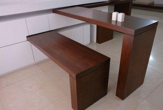 Tisch und Bank aus dem Schrank                              …