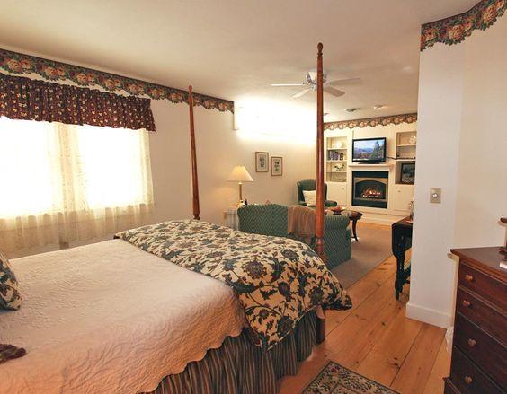Buttonwood Inn guest room