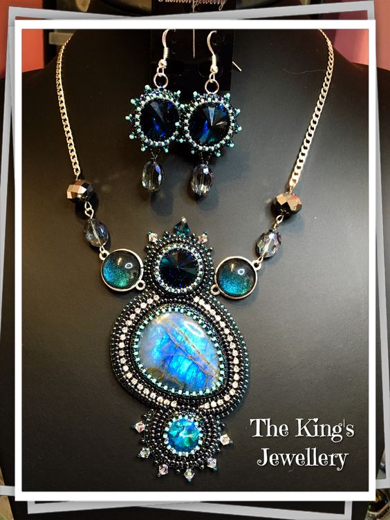 New labradorite necklace and matching earrings By:Astrid de Koning The King's Jewellery